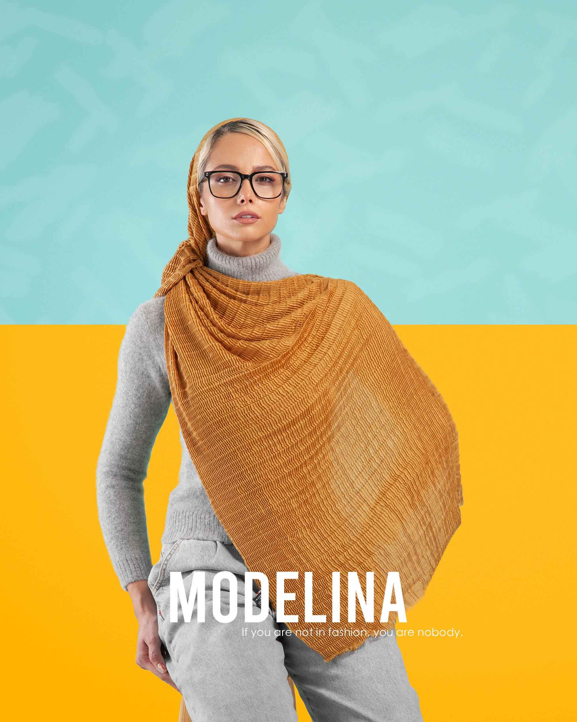 1129-modelinascarf
